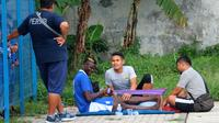 Penyerang Persib Bandung, Ezechiel N'Douassel. (Liputan6.com/Kukuh Saokani)