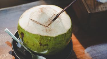 kelapa muda
