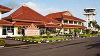 Mengadopsi gaya futuristik, Gubernur Lampung, Ridho Ficardo menargetkan bandara Radin Intan II melayani rute internasional mulai 2017.
