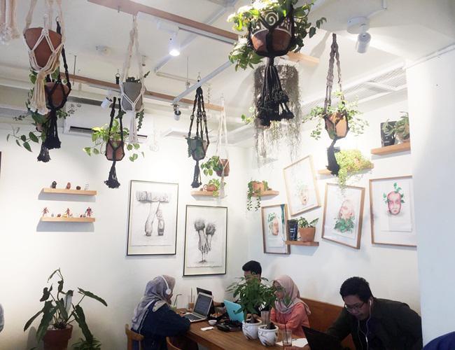 Suasana di dalam Sama Dengan Coffee/copyright Vemale.com/Anisha