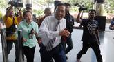 Mantan Ketua Mahkamah Konstitusi, Mahfud MD saat tiba di Gedung KPK di Jakarta, Senin (25/03). Kedatangannya tersebut untuk melakukan diskusi tentang tindak pidana korupsi dan pencegahannya.merdeka.com/dwi narwoko