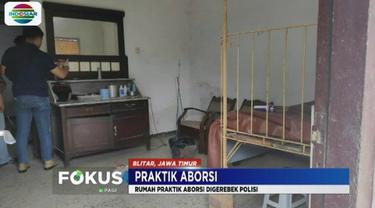 Diduga melakukan praktik aborsi, rumah seorang bidan di Kota Blitar digerebek polisi. Penggerebekan praktik aborsi tersebut berawal dari laporan masyarakat.