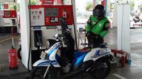 Saat mengisi bensin harus matikan mesin terlebih dahulu (Fahmi/liputan6)