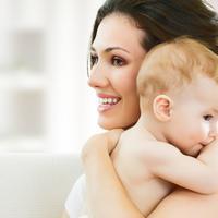 Manfaat menggendong bayi untuk kesehatan.