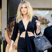 Khloe Kardashian menutup kolom komentar Instagam dalam foto-fotonya bersama dengan Tristan Thompson. (BG001/Bauer-Griffin/GC Images/USWeekly)