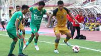 Duel Mitra Kukar vs Sriwijaya FC dalam 8 besar Liga 2 2019 di Stadion Gelora Delta, Sidoarjo (13/11/2019). (Bola.com/Aditya Wany)