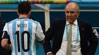 Lionel Messi dan Alejandro Sabella. (AFP/François-Xavier Marit)