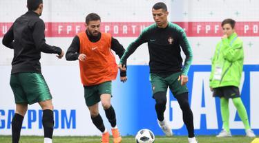 Intip Latihan Perdana Ronaldo Saat Tiba di Rusia