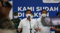 Menteri Kesehatan RI Budi Gunadi Sadikin meninjau vaksinasi COVID-19 karyawan Angkasa Pura (AP) di Bandara Soekarno-Hatta, Tangerang, Banten, 24 Maret 2021.(Dok Kementerian Kesehatan RI)