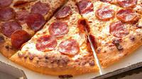 Ini cara makan pizza terbaru yang terbilang unik. Simak selengkapnya di sini.
