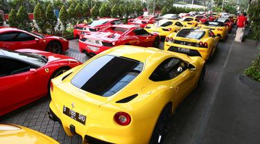 Eratkan Silaturahmi, Pemilik Ferrari Touring Bersama Ke Bandung