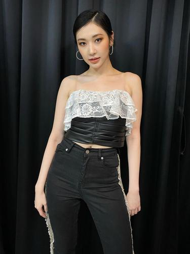 Jinny Secret Number Muncul Di Foto Pradebut Blackpink Hampir Satu Tim Dengan Jennie Dkk Showbiz Liputan6 Com