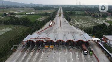 FOTO: Ada Larangan Mudik, Gerbang Tol Palimanan Terpantau Sepi