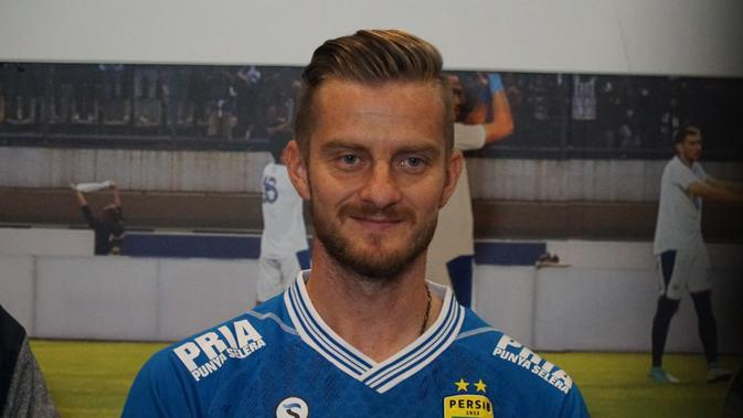 Sebelum bergabung dengan Persib, Rene Mihelic sempat berkomunikasi dengan Miljan Radovic. (Huyogo Simbolon)