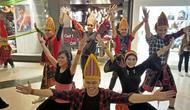 Penampilan peserta tari saat flashmob putaran pertama di Grand Indonesia, Jakarta. (Foto oleh: Immanuela Harlita Josephine)