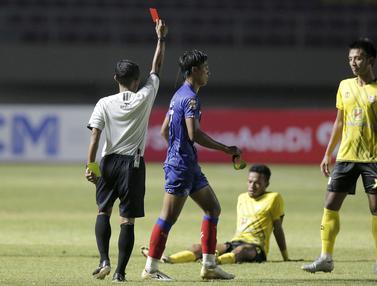 FOTO: Barito Putera Jaga Peluang Lolos ke Babak 8 Besar usai Menang 2-1 atas Arema FC - Johan Amat Farizi