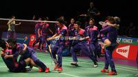 Tim bulutangkis Korea Selatan merayakan kemenangan atas China pada babak final Piala Sudirman 2017 di Carrara Indoor Sports Stadium, Gold Coast, Australia, Minggu (28/5/2017). (Bola.com/Twitter/BadmintonNow)