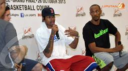 Allen Iverson dan beberapa superstar NBA datang ke Jakarta. Mereka akan berlaga dalam ajang Streetball 2013 yang akan digelar 26 Oktober 2013 mendatang (Liputan6.com/Helmi Fithriansyah)