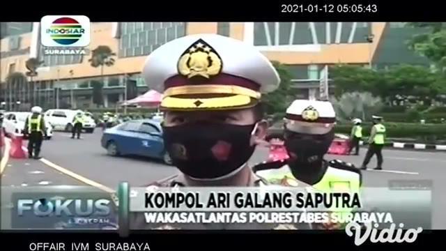 Pemberlakuan Pembatasan Kegiatan Masyarakat (PPKM) pada hari pertama di Kota Surabaya, Jawa Timur, Polrestabes Surabaya melakukan pemeriksaan atau check point di beberapa titik.