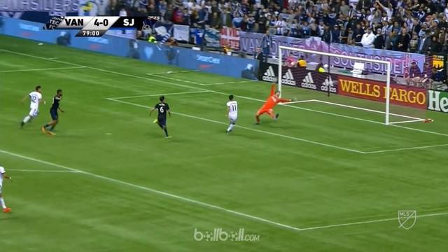 Berita video pemain asal Uruguay, Gabriel Mezquida, mencetak 2 gol setelah jadi pemain pengganti. This video presented by BallBall.