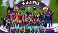 Barcelona Wanita alias Femeni berhasil membungkam Chelsea dengan skor 4-0 pada laga final Liga Champions 2020/2021, Senin (17/5/2021). (AFP/Jonathan Nackstrand)