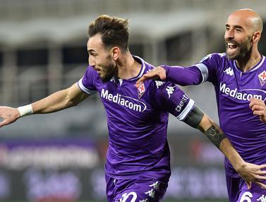 FOTO: Fiorentina Menang Telak 3-0 atas Spezia - Gaetano Castrovilli, Borja Valero