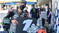 Fabio Quartararo saat meraih pole position pada sesi kualifikasi MotoGP Jerez, Sabtu (19/7/2020). (AFP)