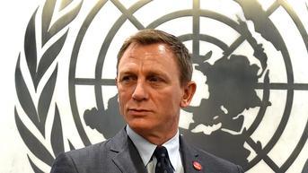 Daniel Craig Terima Pangkat Kehormatan Setara James Bond dari Angkatan Laut Kerajaan