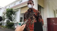 Suroto, peternak asal Blitar yang viral karena membentangkan poster saat Jokowi kunker ke Jatim. (Istimewa)
