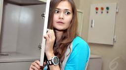 Ekspresi melotot Sabai saat ditemui di acara konferensi pers premiere film Seputih Cinta Melati di Planet Hollywood XXI, Jakarta, (24/7/14) (Liputan6.com/ Panji Diksana)