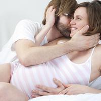Seks sampai orgasme membuat ibu hamil jadi berkurang tingkat stresnya.