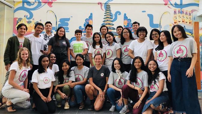 Tim Bye Bye Plastic Bags di Bali, 2019. Dok: Melati Wijsen