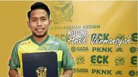 Andik Vermansah resmi berseragam Kedah FA untuk mengarungi Liga Super Malaysia 2018. (Instagram/Kedah FA)