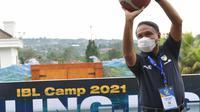 Menteri Pemuda dan Olahraga (Menpora), Zainudin Amali, takjub dengan ketatnya penerapan protokol kesehatan gelembung IBL untuk musim 2021. (dok. IBL)