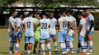 Persib B saat sesi latihan dipimpin pelatih Liestiadi. (Bola.com/Erwin Snaz)