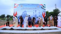 Peletakan batu pertama proyek pembangunan Masjid Agung Sheikh Zayed di Solo, Jawa Tengah, dilakukan pada Sabtu (6/3/2021).