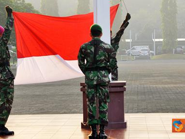 Citizen6, Jakarta: Dalam upacara yang berlangsung khidmat tersebut Panglima TNI menyampaikan atensi dan harapan  kepada seluruh Prajurit dan PNS di lingkungan TNI. (Pengirim: Badarudin Bakri)