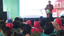 Menteri Kesehatan, Terawan Agus Putranto memberikan sambutan dalam peringatan Hari Gizi Nasional ke-60 di halaman Gedung Kementerian Kesehatan, Jakarta, Selasa (28/1/2020). Kegiatan tersebut mengangkat tema Gizi Optimal Untuk Generasi Milenial. (Liputan6.com/Angga Yuniar)