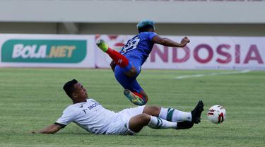 FOTO: Arema FC Tahan Imbang Persikabo 1973 1-1 dalam Partai Pembuka Piala Menpora 2021 - Wawan Febriyanto; Kushedya Hari Yudo