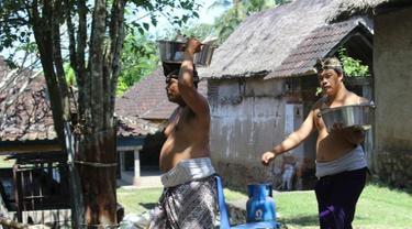 Nampah Dandan Beling, Tradisi di Bali