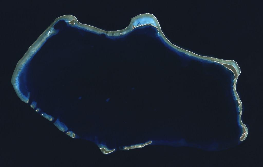 Bikini Atoll, lokasi uji coba 23 bom atom milik Amerika Serikat (Wikipedia)