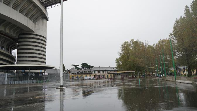 Markas AC Milan dan Inter Milan, Stadion San Siro, merupakan salah satu ikon kebanggaan warga Milan, Italia (Marco Tampubolon/Liputan6.com)
