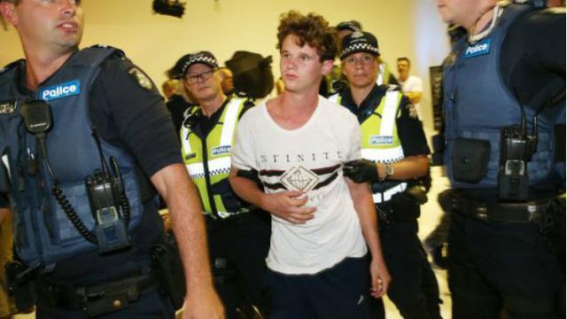 Will Connolly, bocah berjuluk Egg Boy, yang melemparkan telur ke senator Australia (AP Photo)
