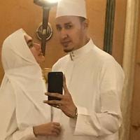 Kartika Putri dan Habib Usman bin Yahya [foto: instagram/kartikaputriworld]