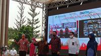 Kementerian Sosial (Kemensos) dan Perum Bulog meluncurkan Program Bantuan Sosial Beras kepada 10 juta keluarga penerima manfaat program keluarga harapan (KPM-PKH) di seluruh Indonesia.