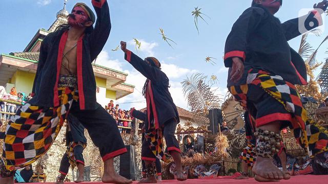 Perayaan Saparan di Lereng Gunung Andong Magelang