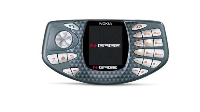 Nokia N-Gage, memadukan fungsi ponsel dan konsol gim (Sumber: Telegraph)