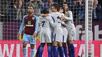 Chelsea menang 2-1 atas Burnley pada laga pekan ke-34 Premier League, di Turf Moor, Kamis (19/4/2018) waktu setempat. (AFP/Oli Scarff)