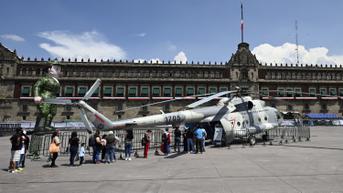 FOTO: Antusiasme Warga Hadiri Pameran Militer di Meksiko