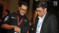 CEO Whitesky Aviation Denon B Prawiraatmadja menjelaskan kepada pengunjung disela 4th Civil Helicopter Southeast Asia Summit di Bangkok Kamis (26/9/2019). Whitesky Aviation melalui Helicity, sedang menjajaki ekspansi pasar helikopter di kawasan Asia Tenggara. (Liputan6.com/HO/Alwi)
